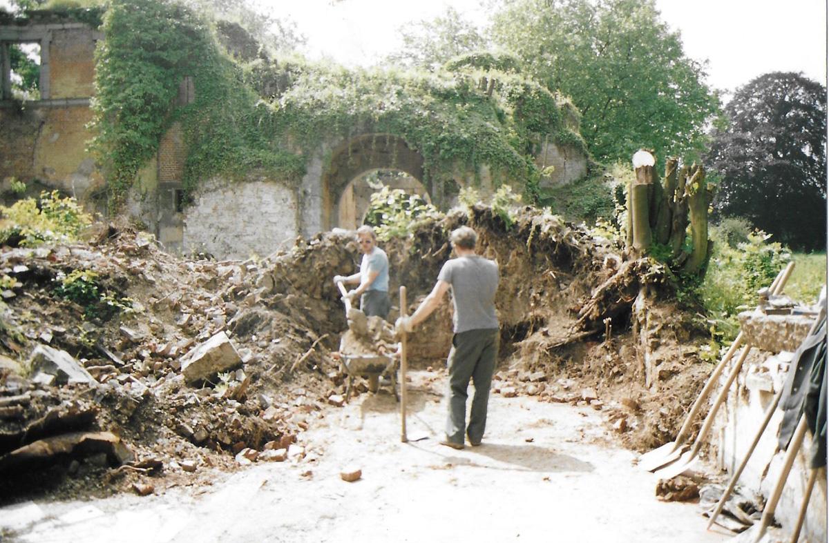Dégagement des ruines du châtelet